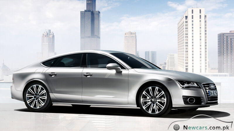 Audi A7 Side View