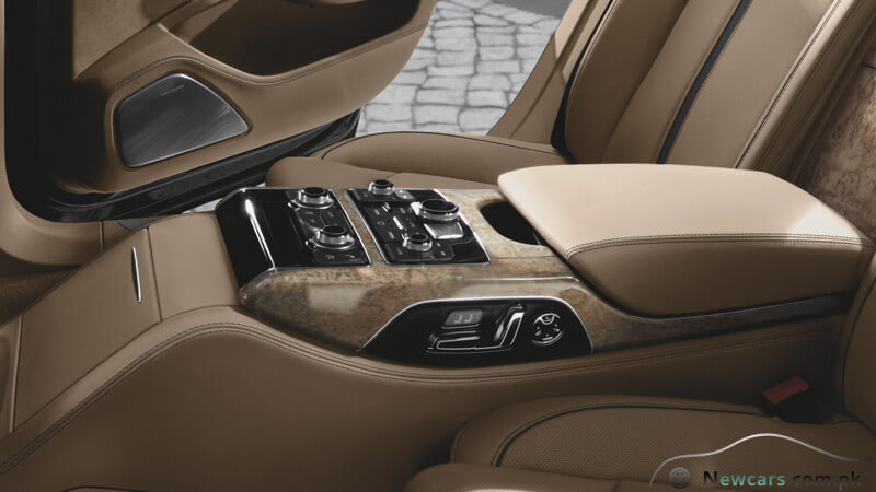 Audi A8 4-zone Automatic Air Conditioning