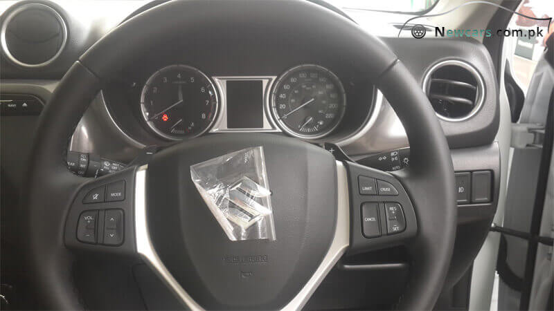 Suzuki Vitara 3-Spoke Steering Wheel