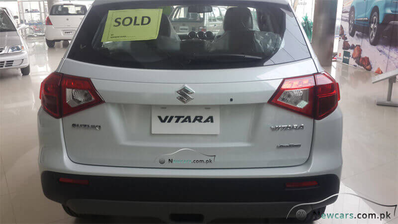 Suzuki Vitara Back Side View Picture
