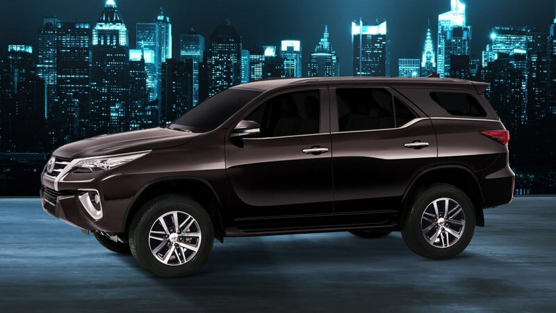 All New Toyota Fortuner Side View