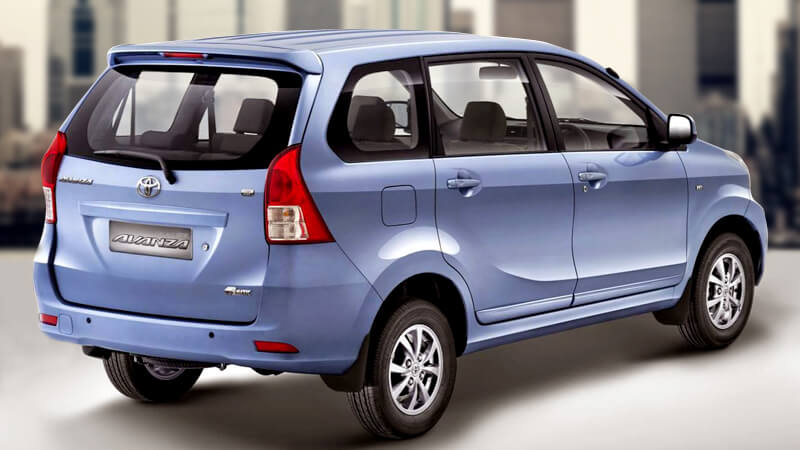 toyota avanza suv in pakistan   big price tag with new features