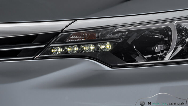 Toyota Corolla Altis LED Clearnace Lamps