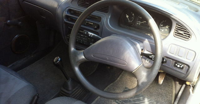 Daihatsu Cuore Interior Steerig Wheel